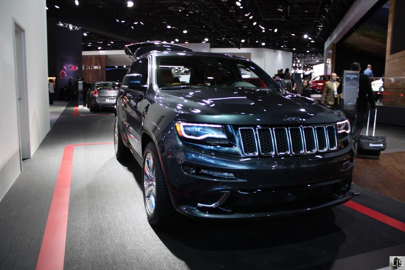Jeep Gran Cherokee SRT 1