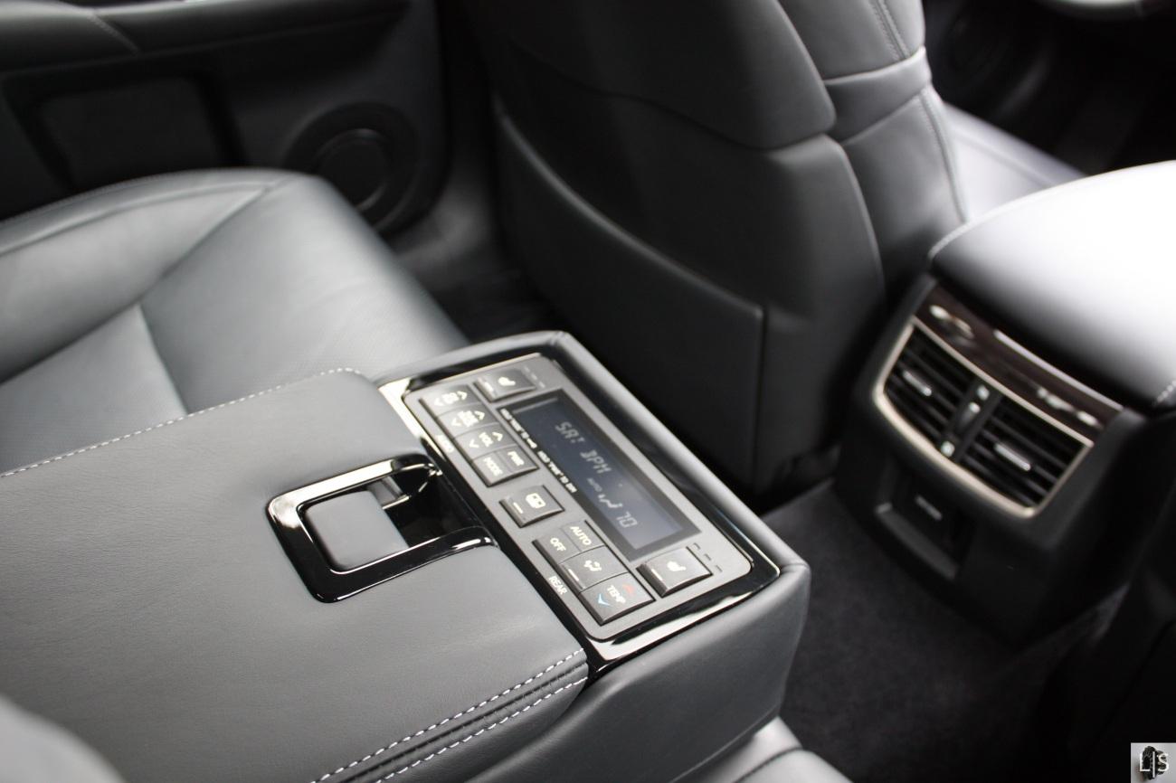 Lexus Interior 4