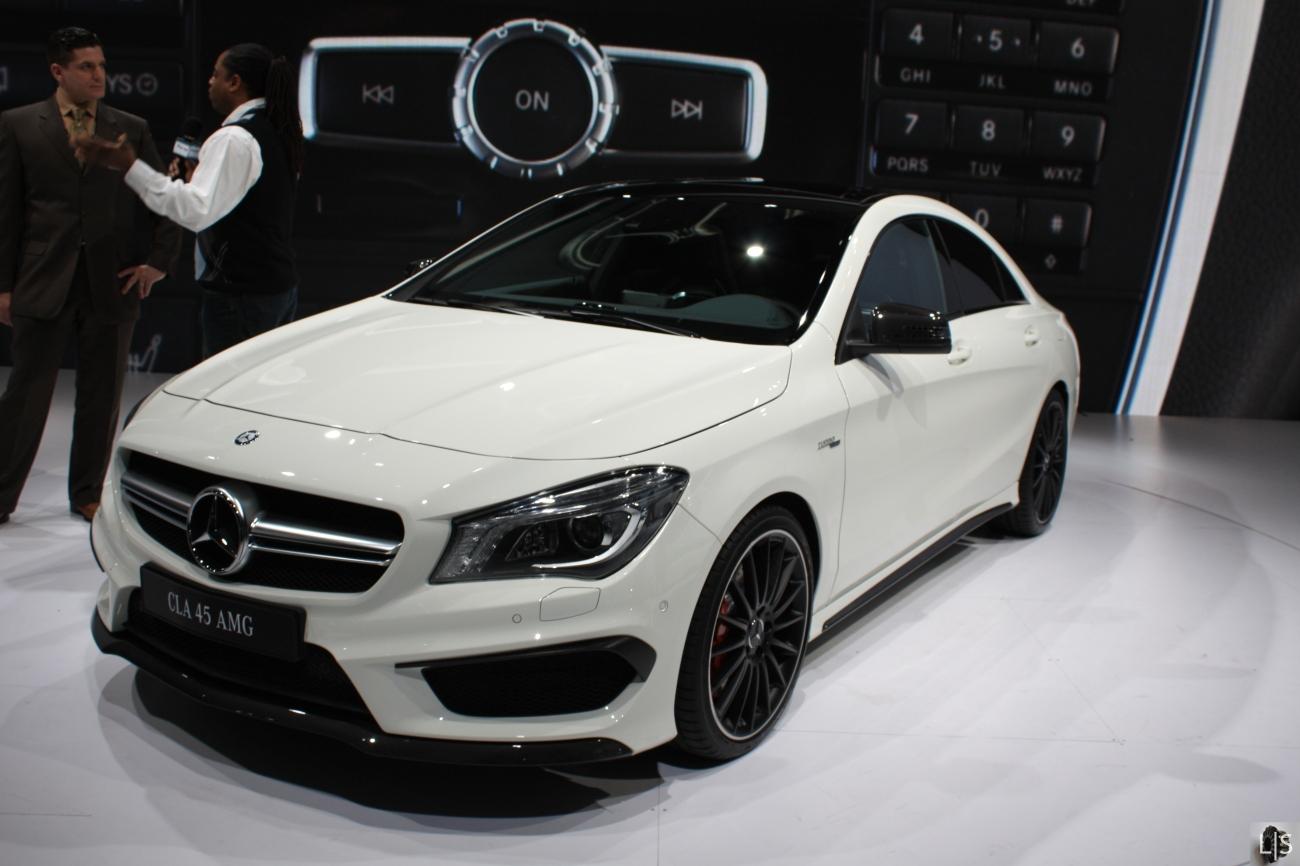 Mercedes CLA45 AMG 1