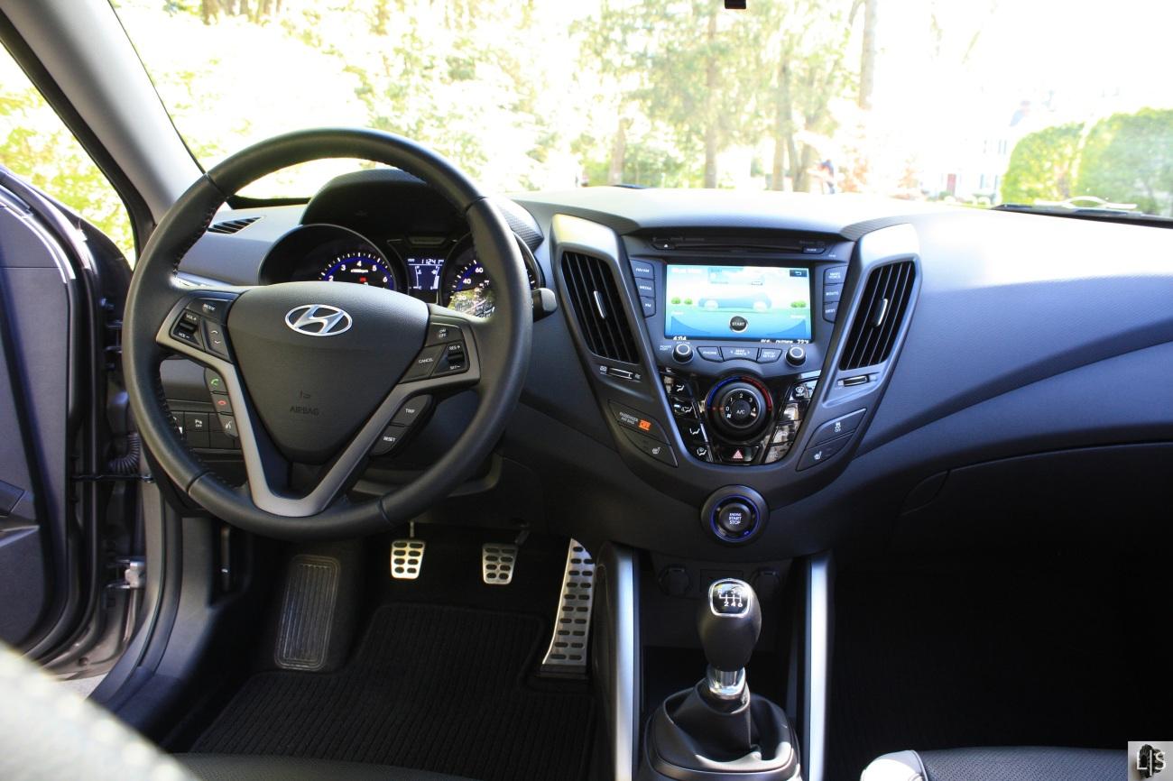 Hyundai Veloster Turbo 8