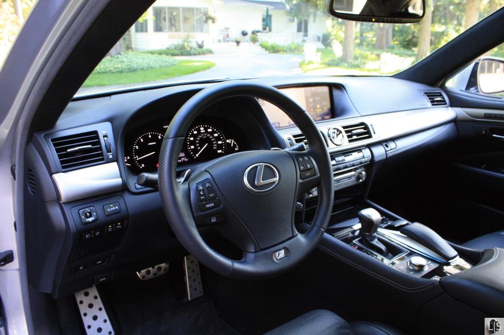 Lexus LS460 10
