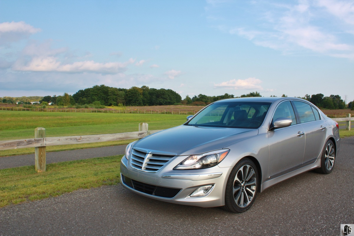 the executive is in town 2013 hyundai genesis r spec limited slip blog. Black Bedroom Furniture Sets. Home Design Ideas