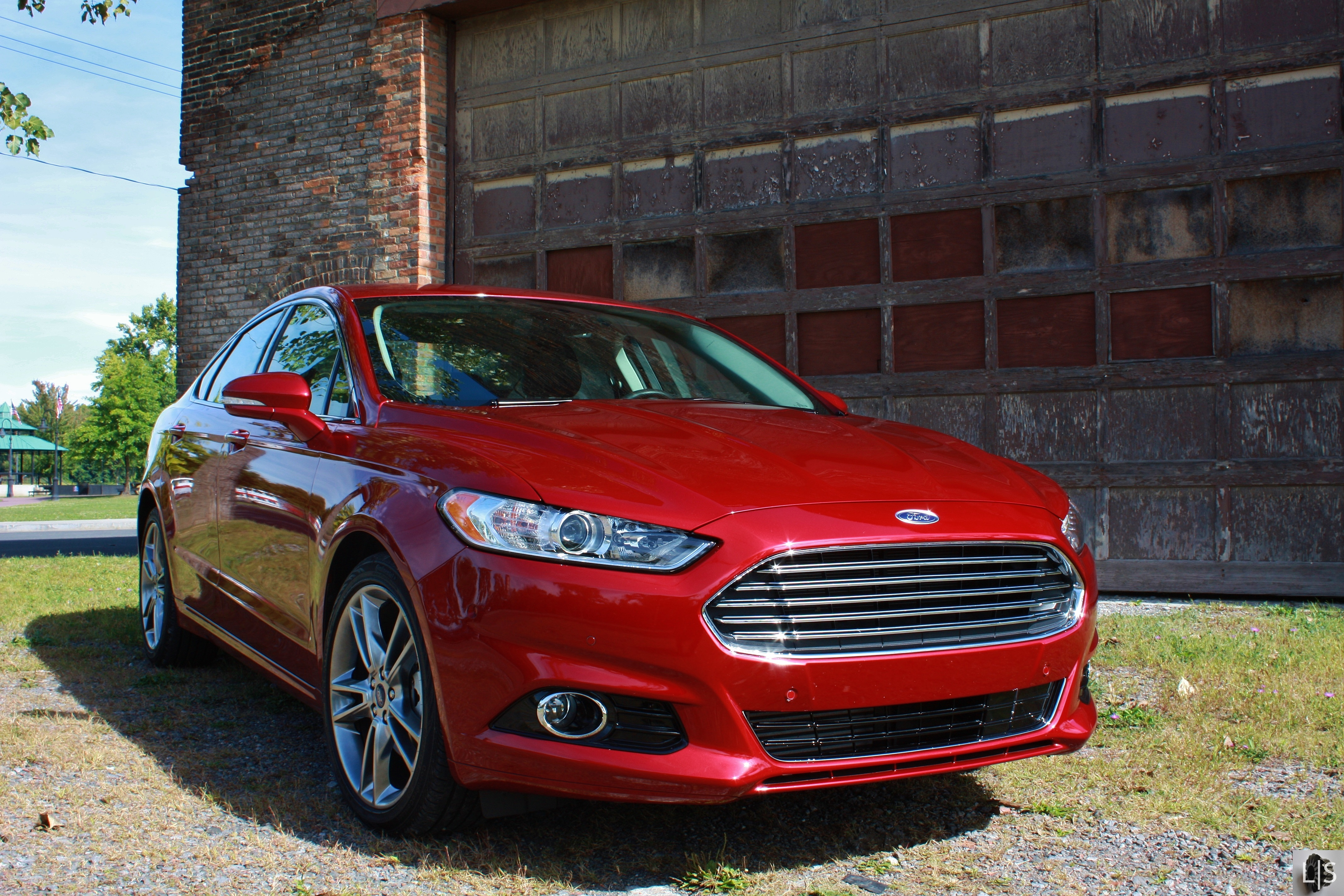 Red 2015 ford fusion