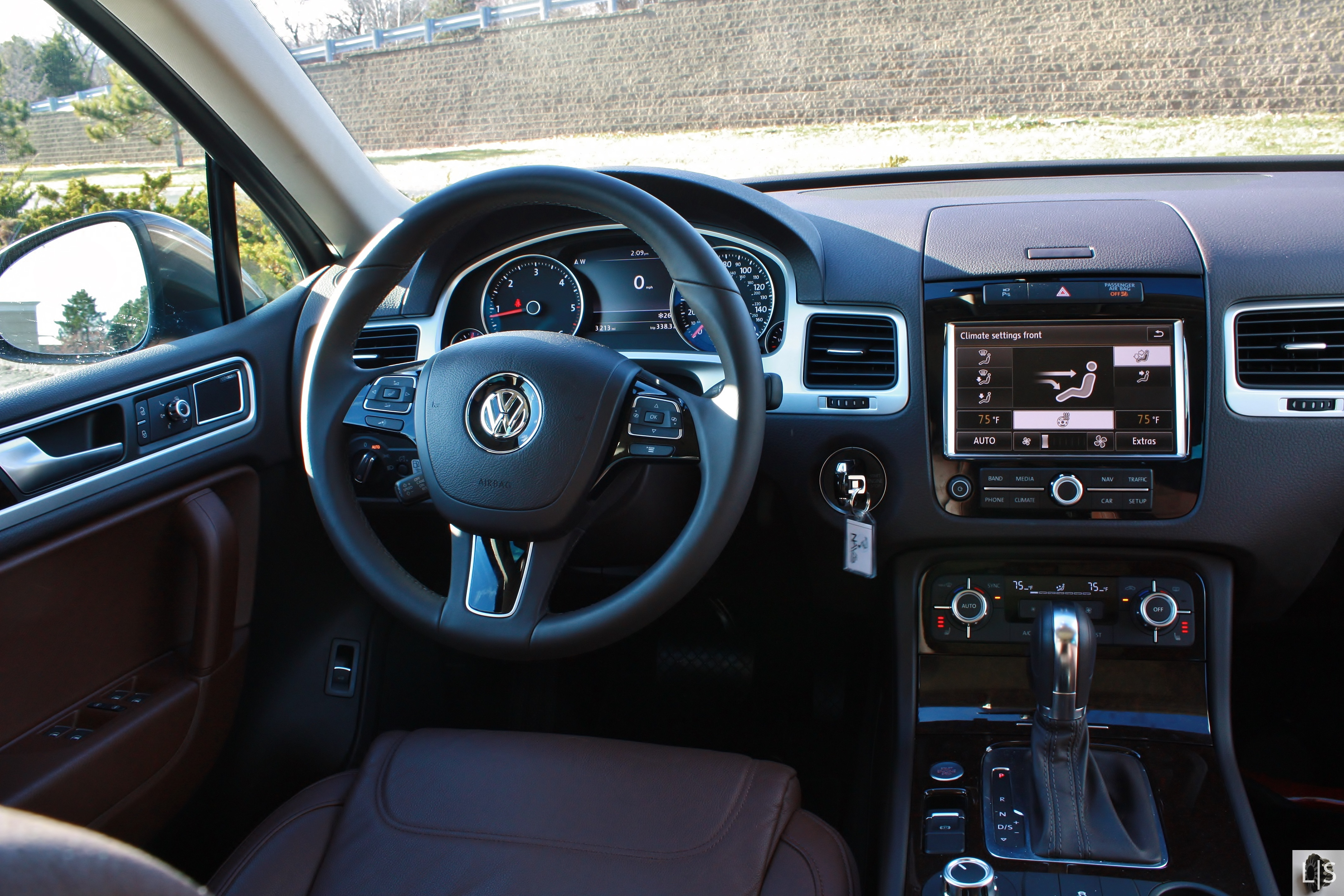 a will rear flat seats blog versatility with touareg suv vehicle is space this volkswagen ghnj crossover folded the of cargo versatile provide very you