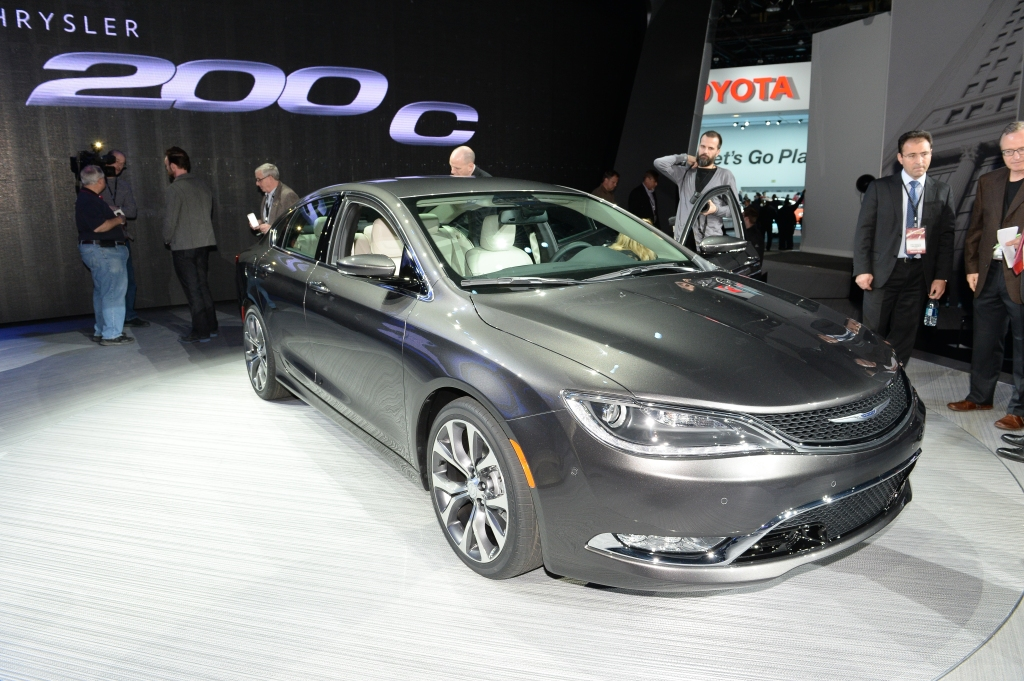Chrysler 200 1