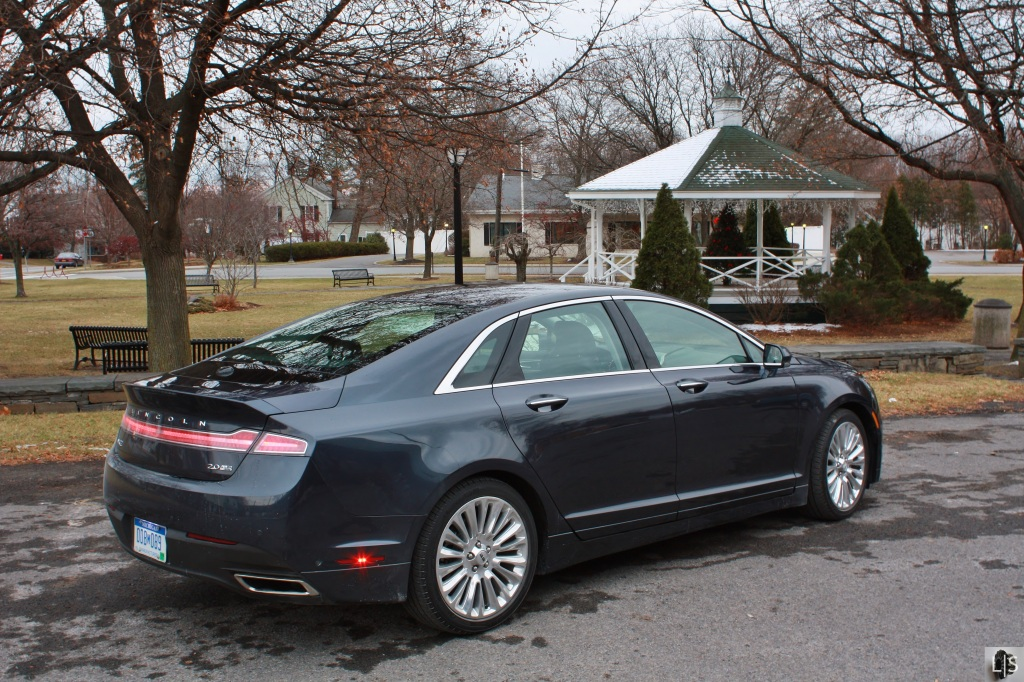 Lincoln MKZ 3