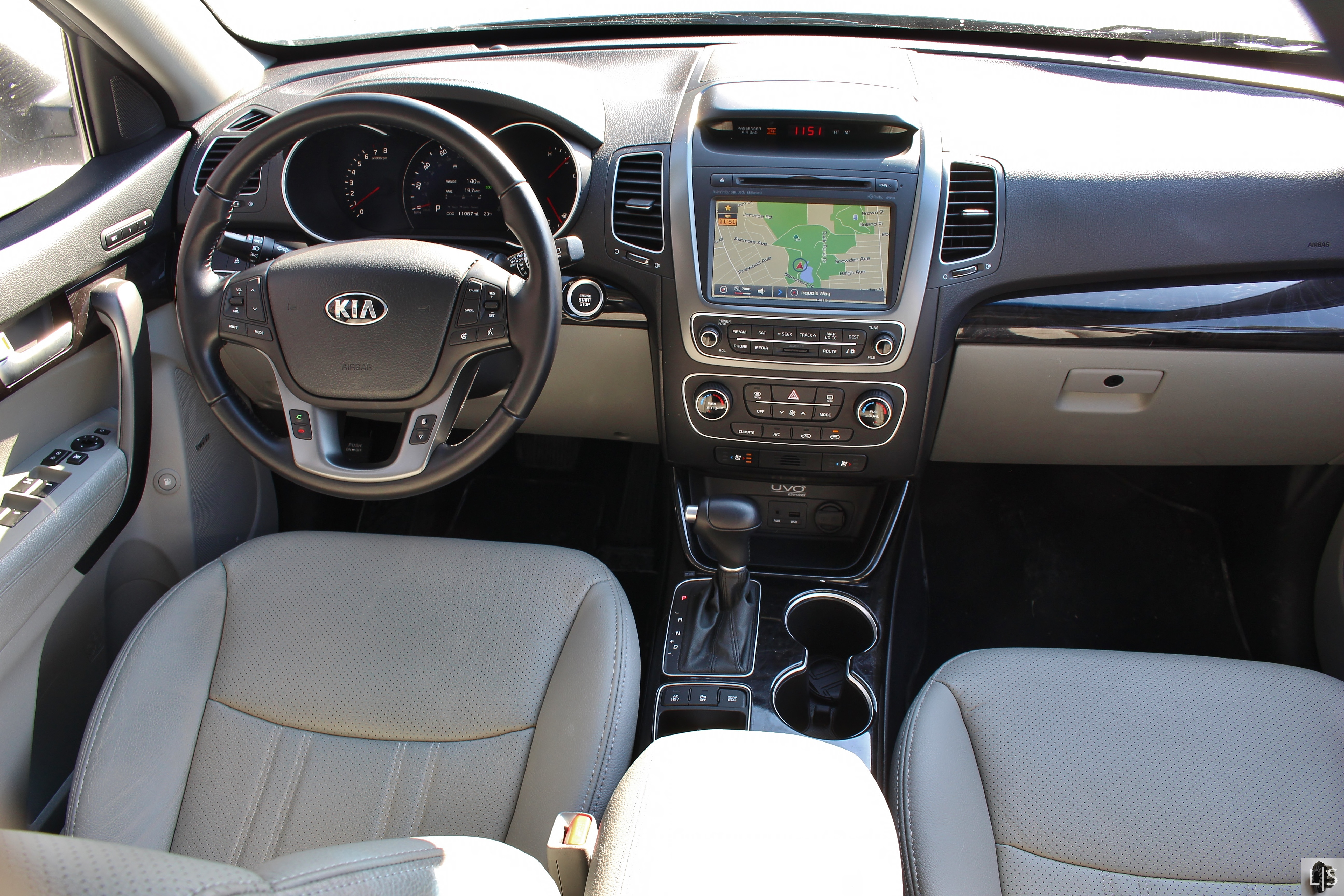 steering korean news of kia premiere interior ahead ex wheel suv sorento teased