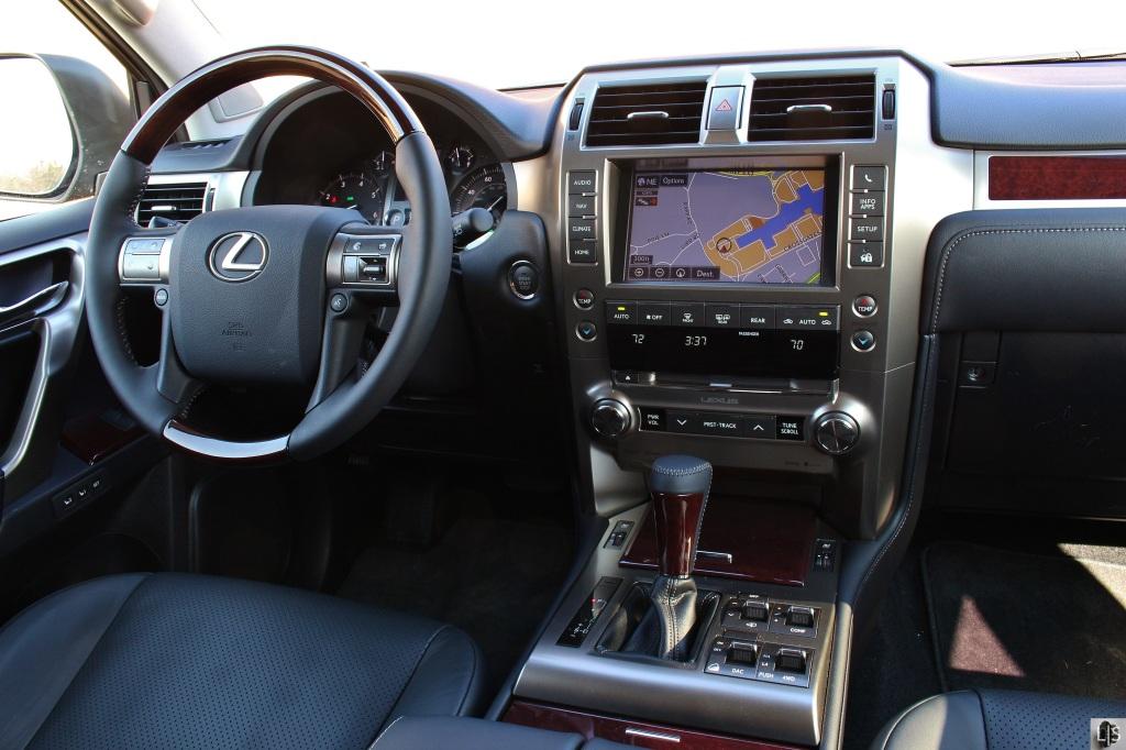 Lexus GX460 9