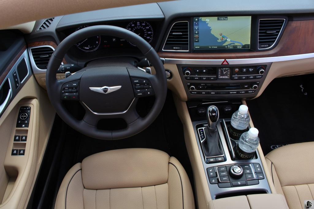 2015 Hyundai Genesis 12