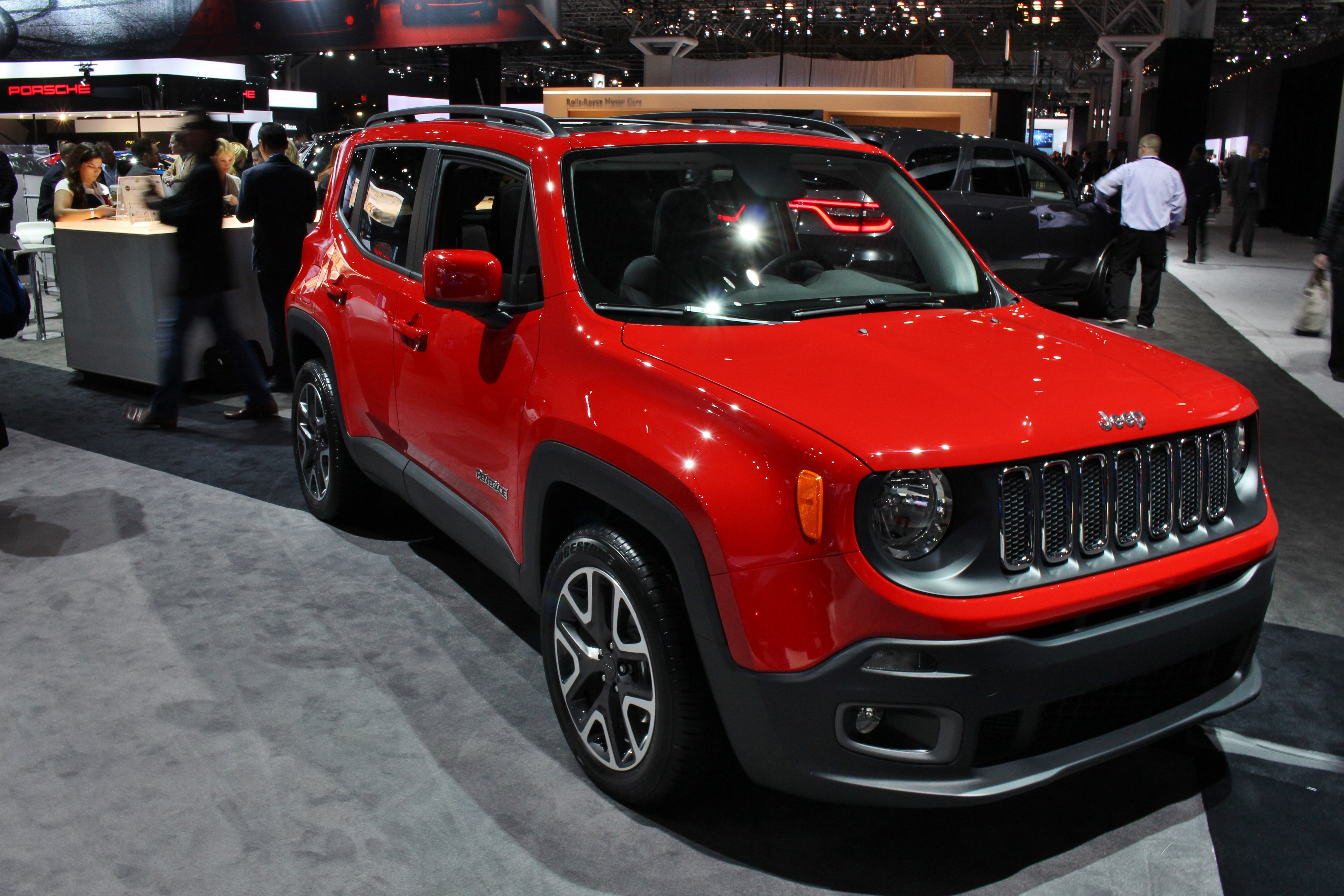 car suv trailhawk geek stand from make talk will it vehicle has jeep chick fiat crossover look that out looking the cherry juke great img renegade a utility nissan crowd unique