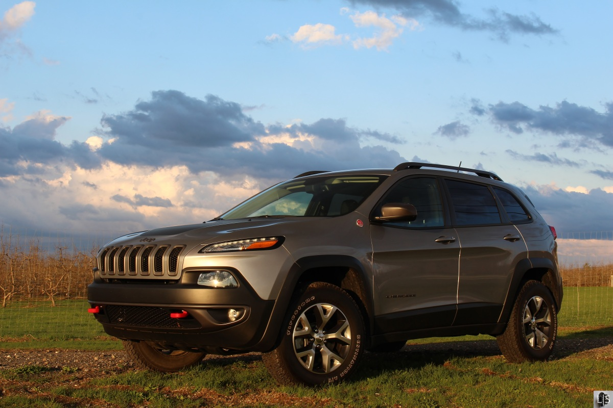 Adventure: Jeep Cherokee Trailhawk