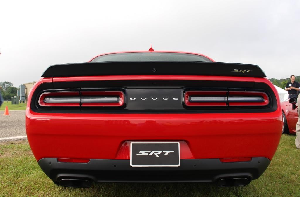 Dodge Challenger Hellcat 3
