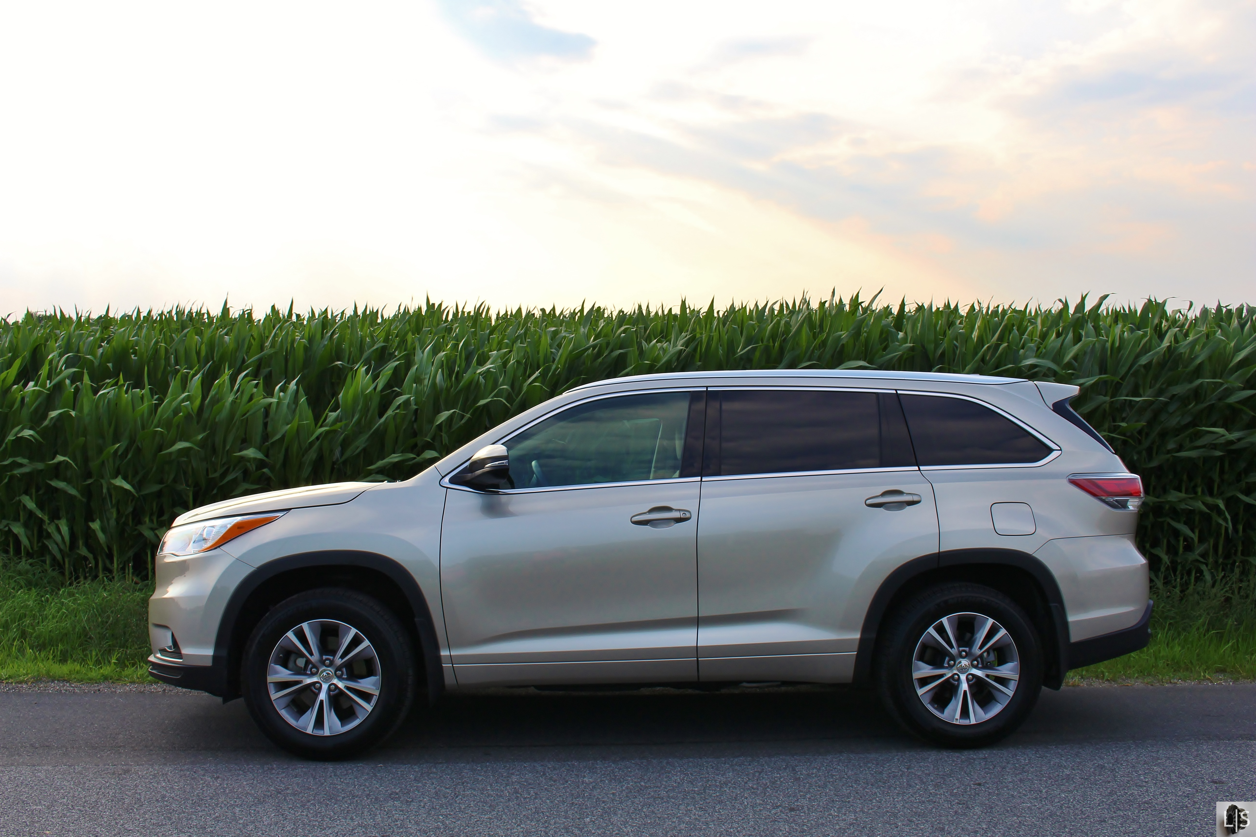 toyota expert drive interior highlander of review test