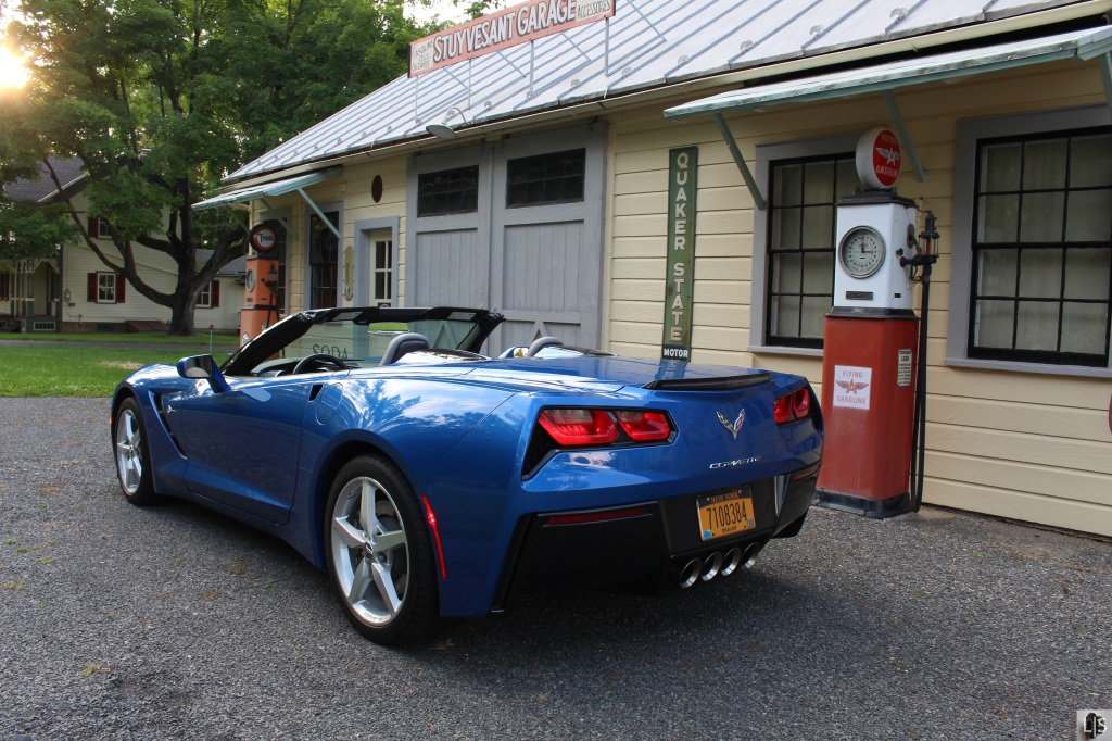 Chevrolet Corvette Convertible 3