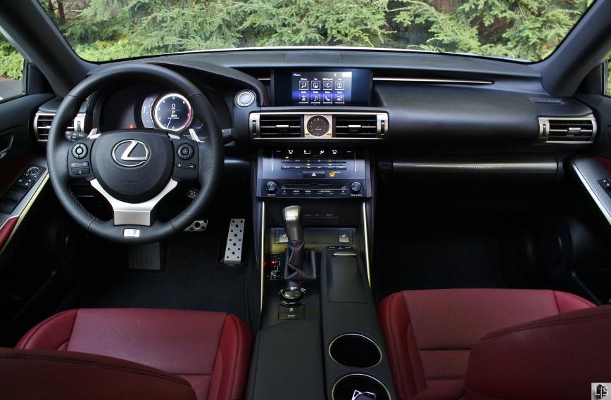 Lexus IS350 F Sport 11