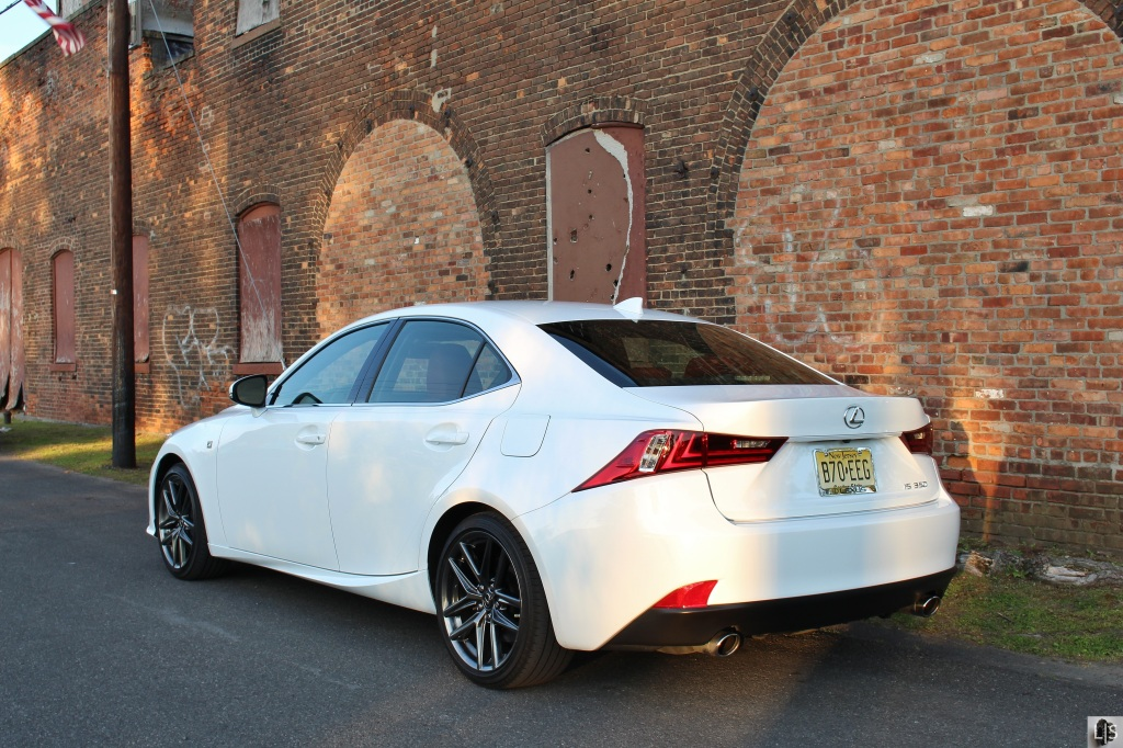 Lexus IS350 F Sport 8
