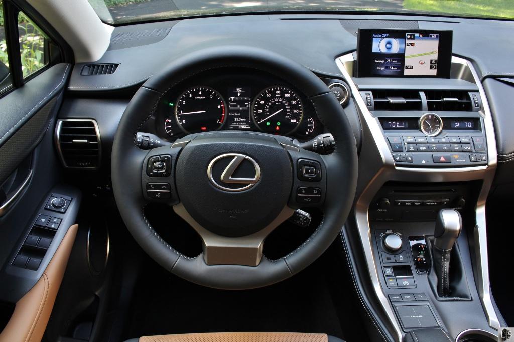 Lexus NX200t 12