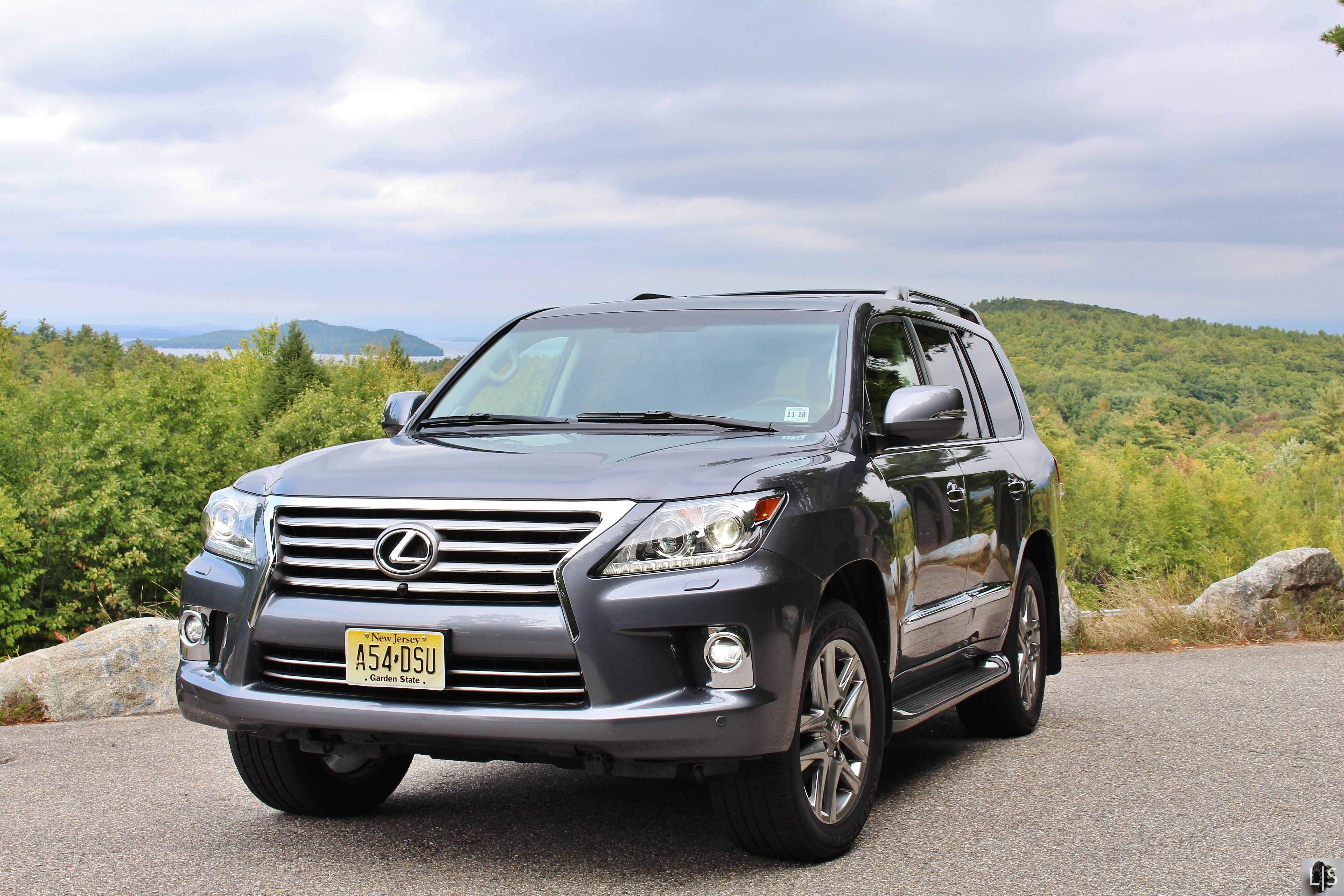 mammoth 2014 lexus lx570 limited slip blog. Black Bedroom Furniture Sets. Home Design Ideas