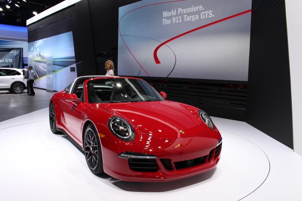Porsche 911 Targa GTS 1