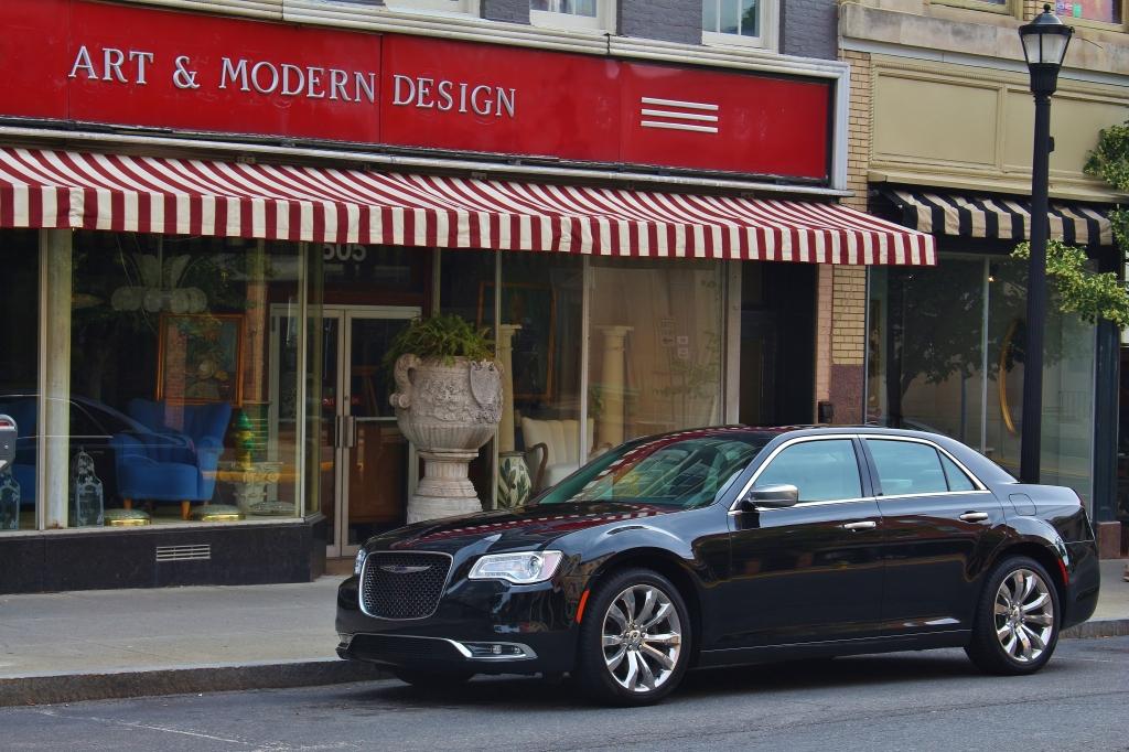 2015 Chrysler 300C 1