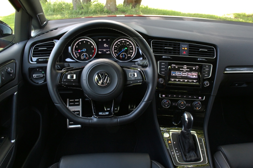 2015 VW Golf R 10