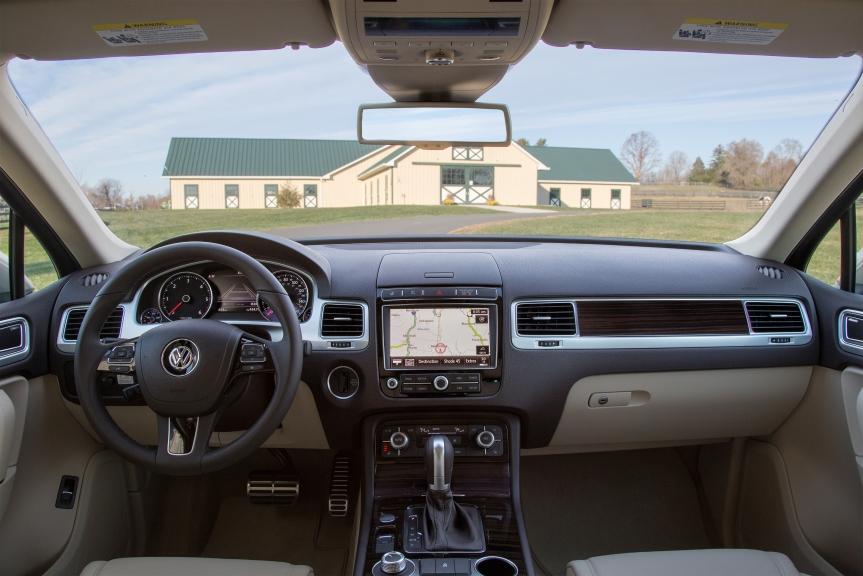 VW Touareg Media 1