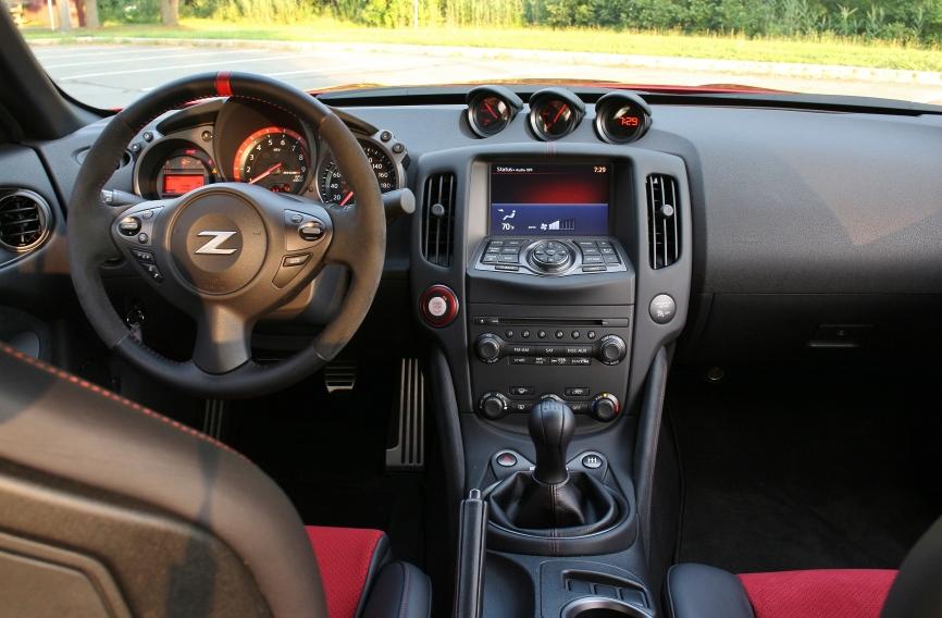 Nissan 370Z Nismo 11