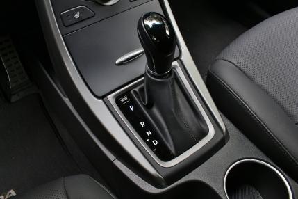 Hyundai Elantra Sport 16