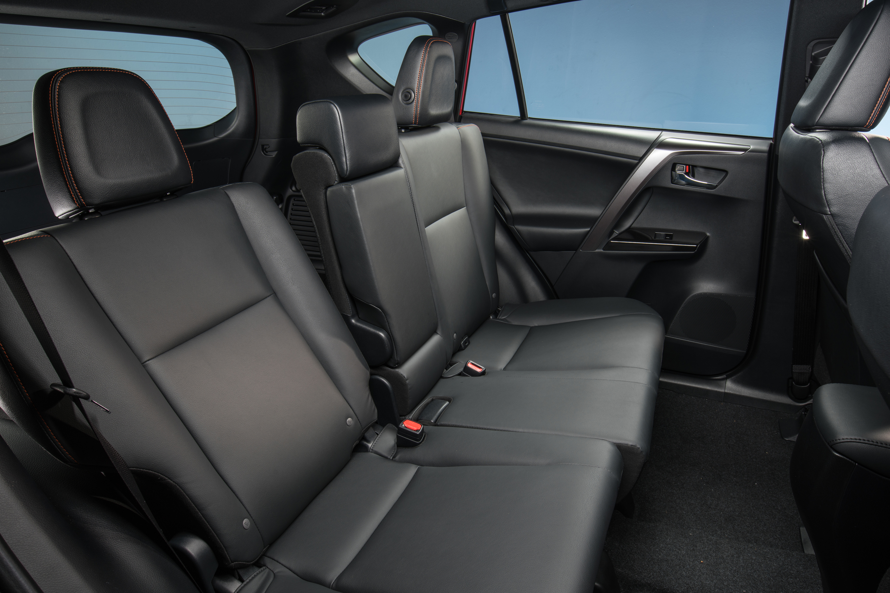 Published September 7, 2016 At 3000 × 2001 In Status Quo: 2016 Toyota RAV4 Pictures Gallery
