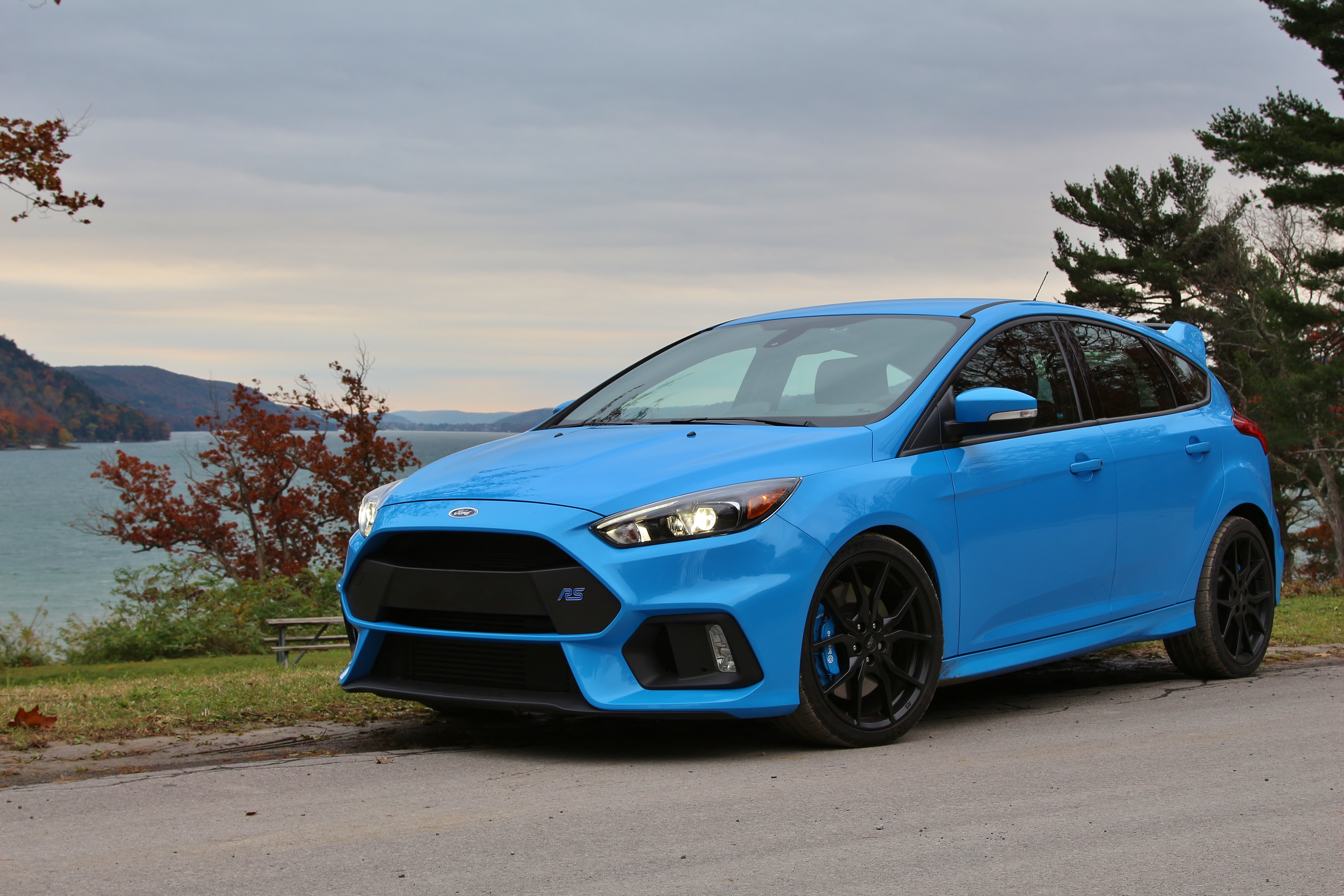 worth the wait 2017 ford focus rs limited slip blog. Black Bedroom Furniture Sets. Home Design Ideas