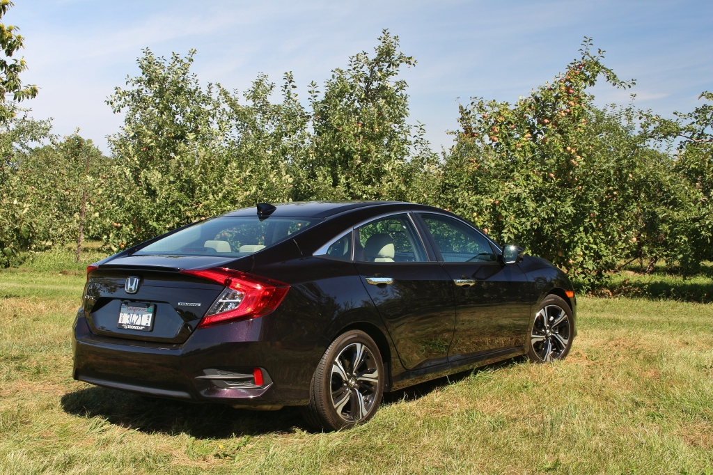 2017-honda-civic-touring-5