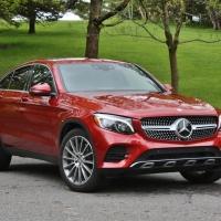 Curvy Elegance: Mercedes GLC300 Coupe