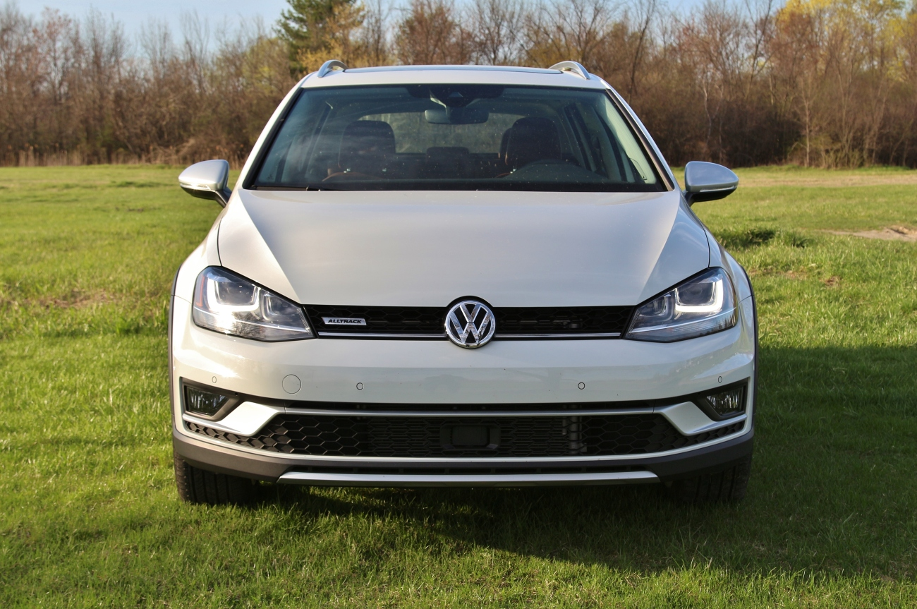2017 VW Golf Alltrack 3
