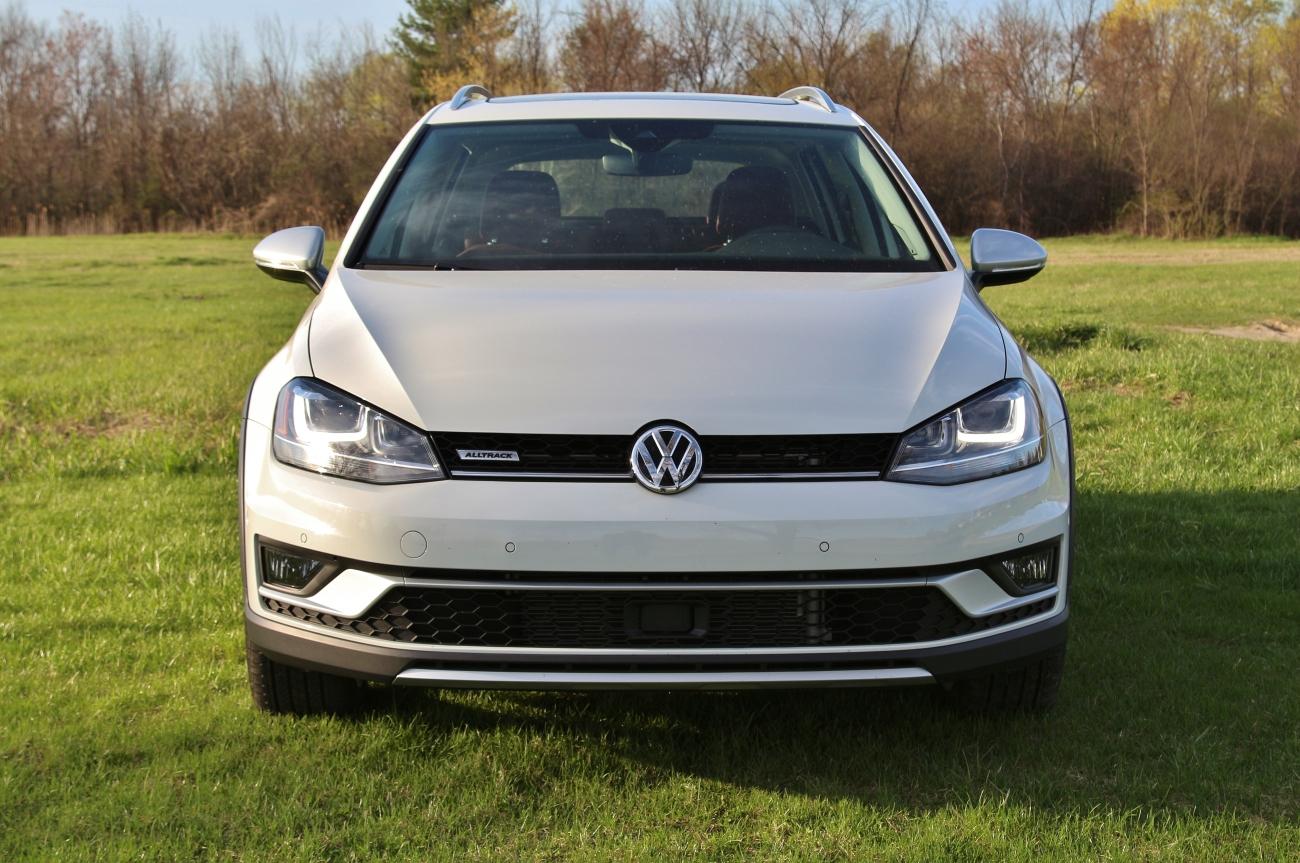 2017 VW Golf Alltrack 3