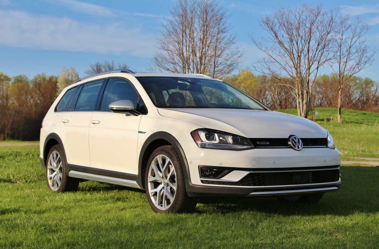 2017 VW Golf Alltrack 4