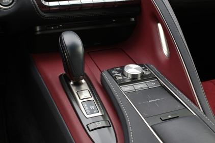 2017 Lexus LC500 16