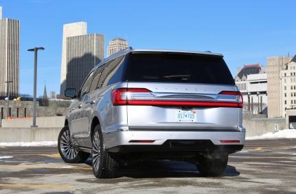 2018 Lincoln Navigator 12