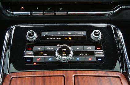 2018 Lincoln Navigator 18