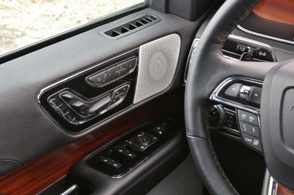 2018 Lincoln Navigator 24