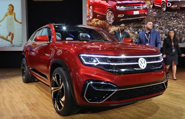 VW Atlas Cross Sport 1