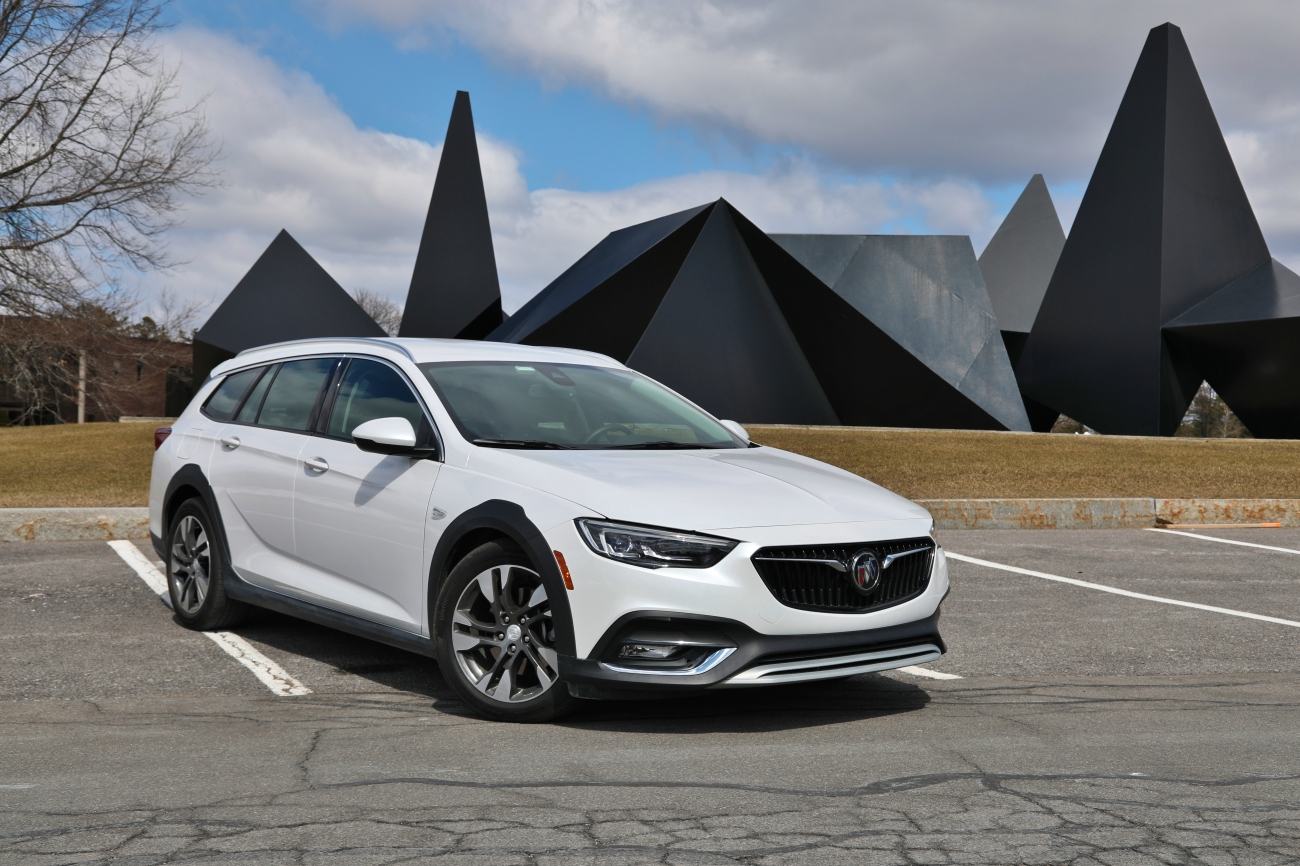 2018 Buick Regal TourX 3