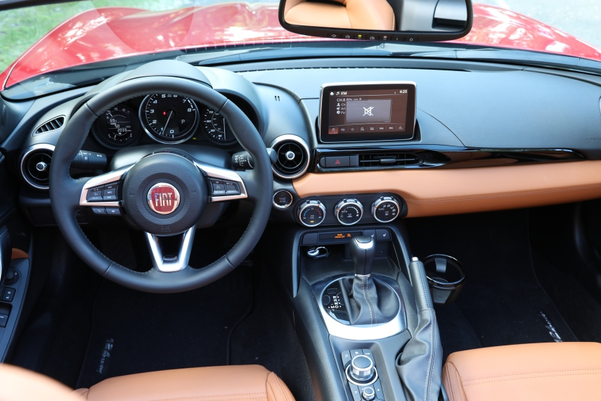 2018 Fiat 124 Spider 10