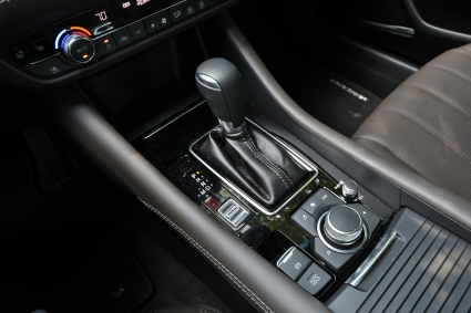 2018 Mazda 6 10