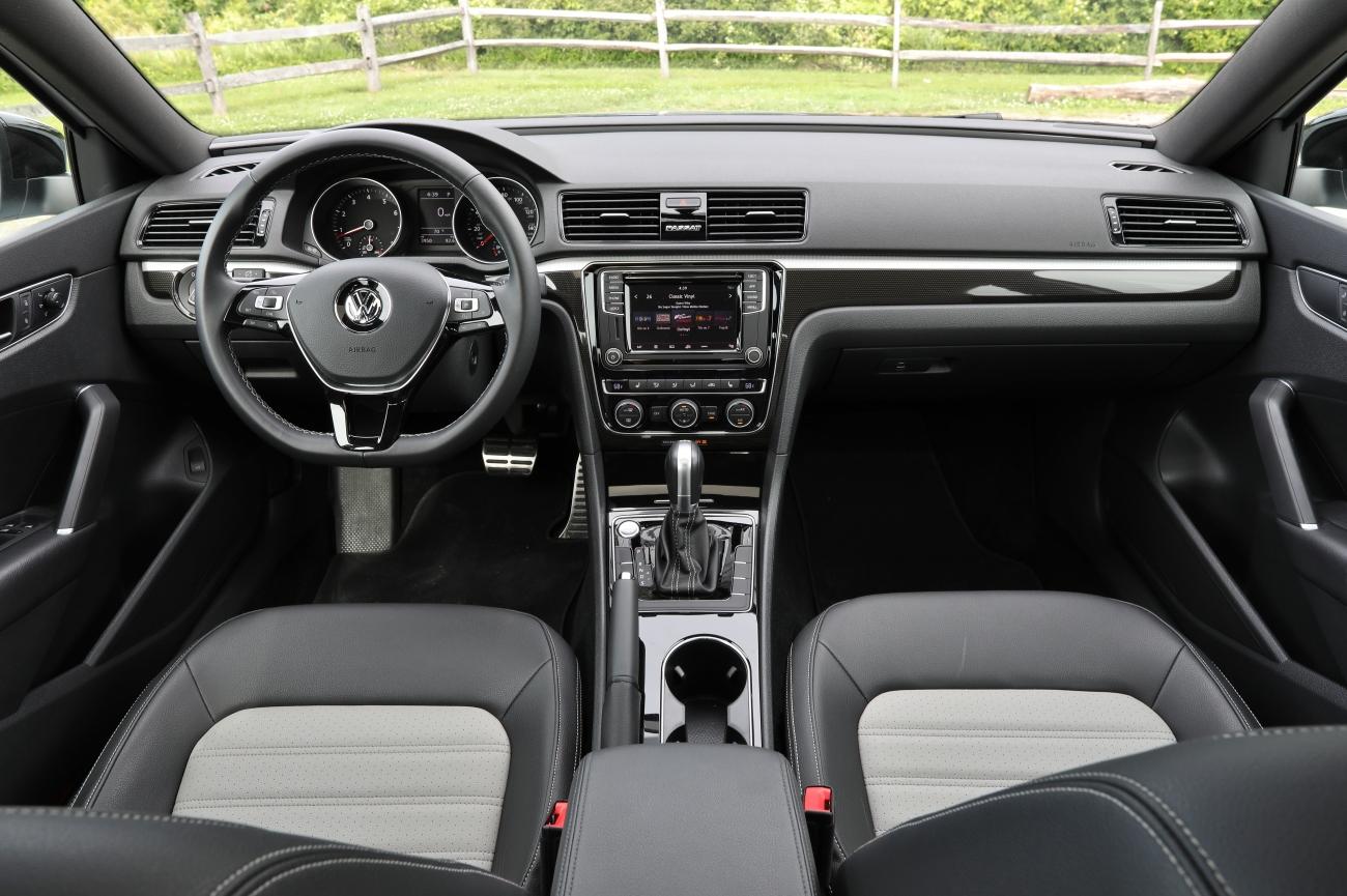 2018 VW Passat GT 12