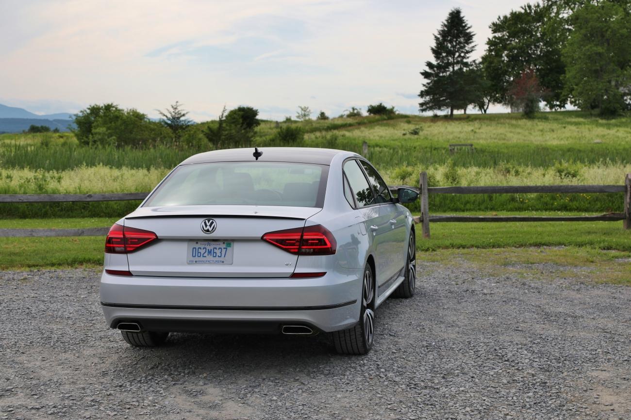 2018 VW Passat GT 9