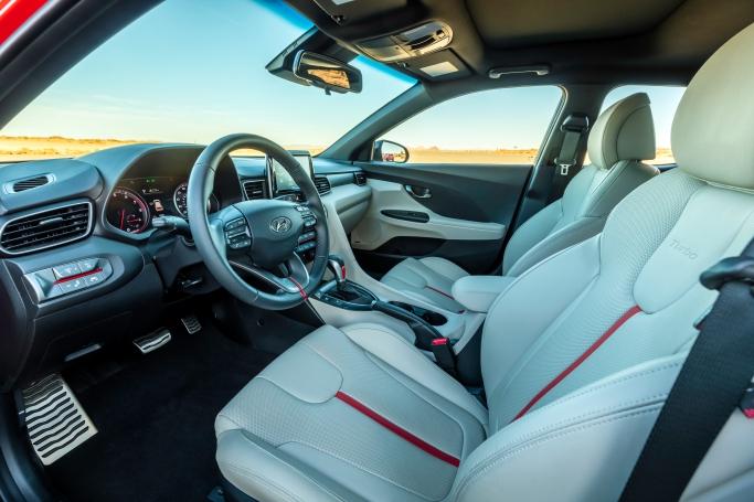 2018 Hyundai Veloster Turbo 15