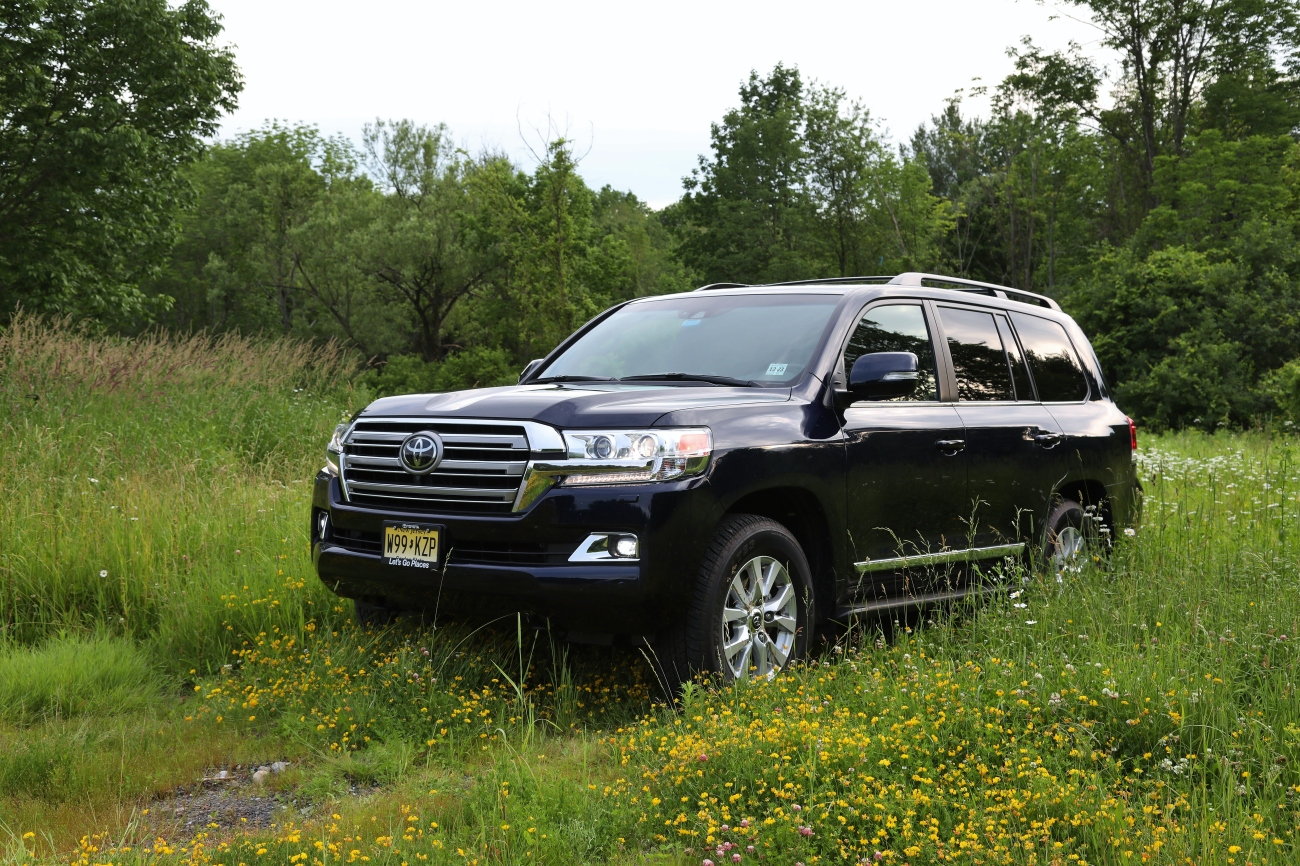 2019 Toyota Land Cruiser 1