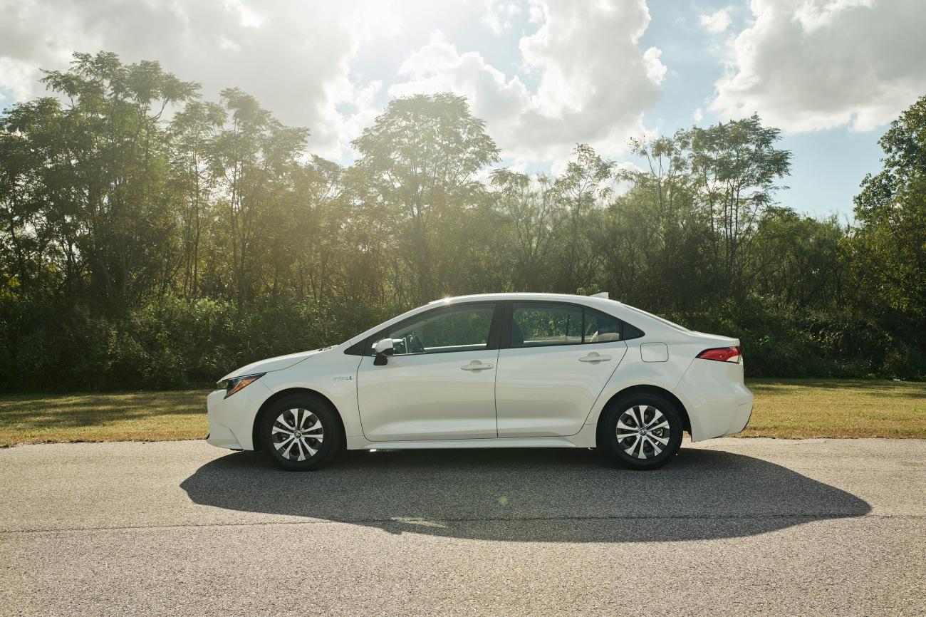 2020 Corolla Hybrid LE 3