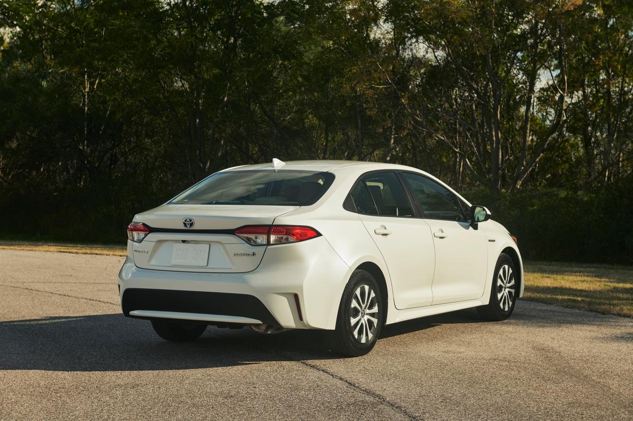2020 Corolla Hybrid LE 4