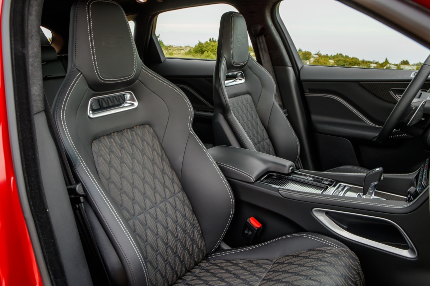 2019 Jaguar FPace SVR 13